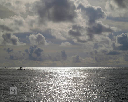silver, scene, bright, sun, shimmer, west, end, somerset, offshore